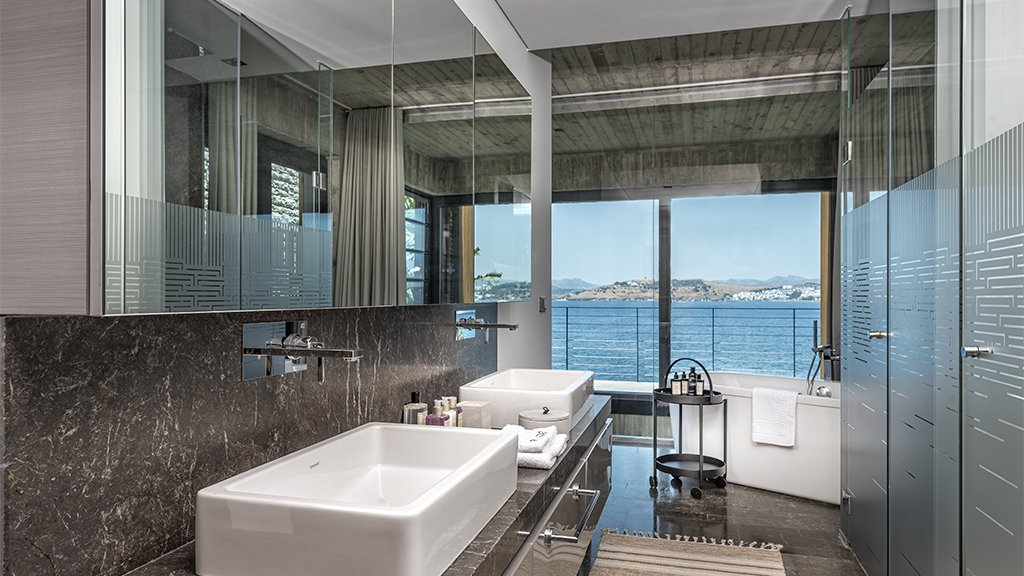 sea view bathroms