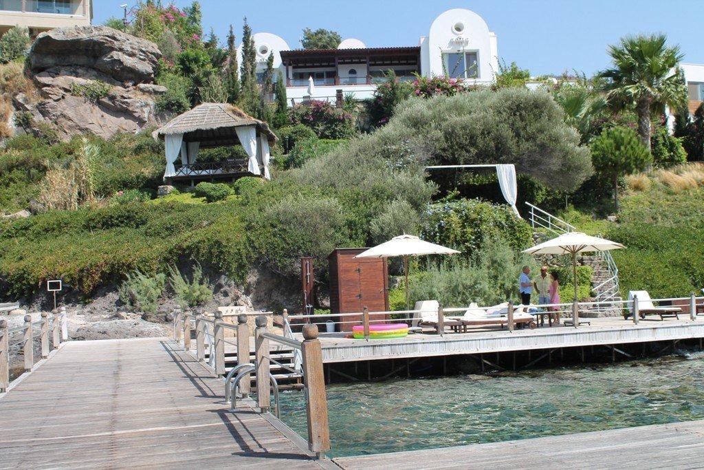 1048-06-Luxury-sea-front-villa-for-sale-Gundogan