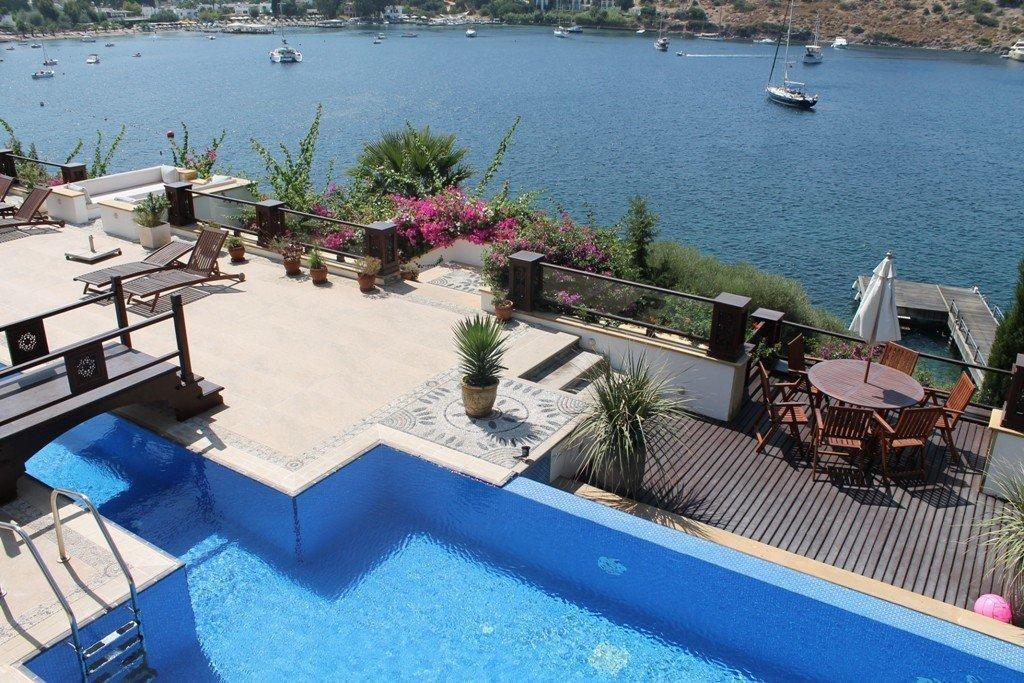 1048-12-Luxury-sea-front-villa-for-sale-Gundogan