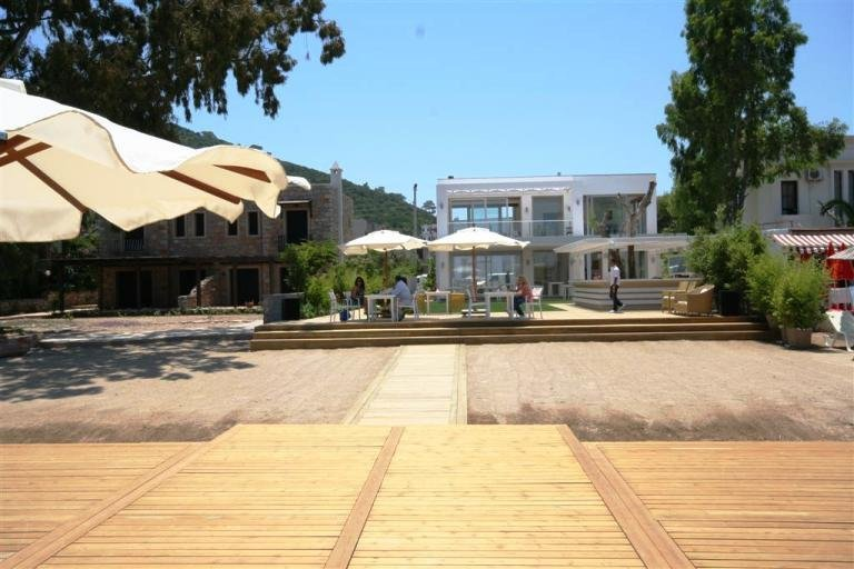 Elite Torba Beachfront Villas with Pool, Private Beach Club
