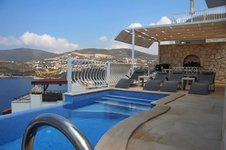 Central Kalkan Luxury Villa, Beach Access, Sea Views,
