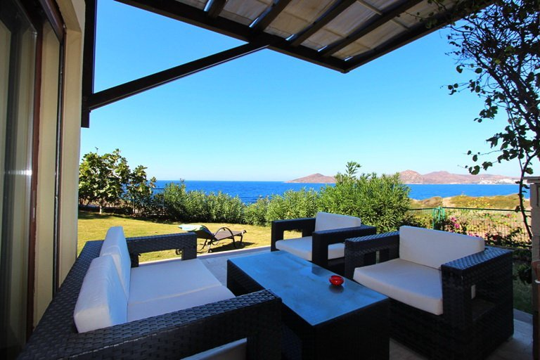 Beachfront Yalikavak Villa, Superb Location