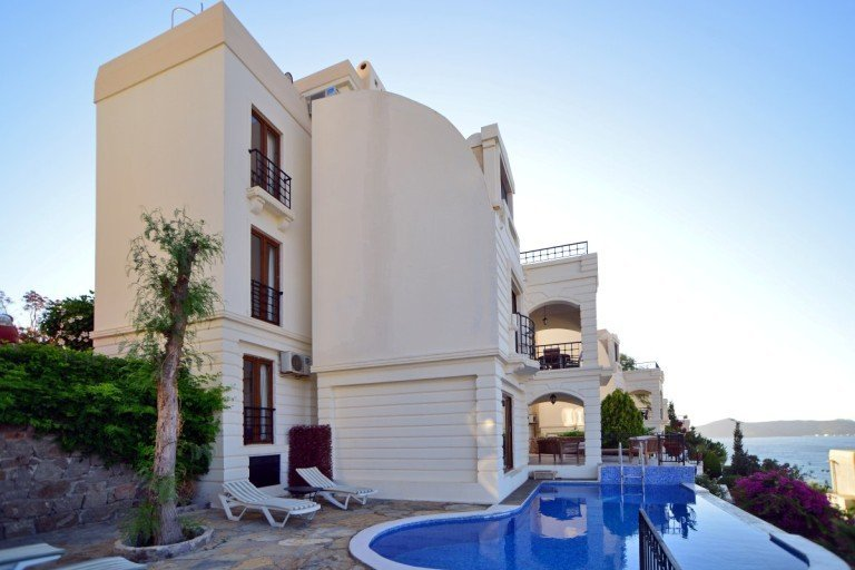 Large Marina villa with private pool in Yalikavak, Bodrum