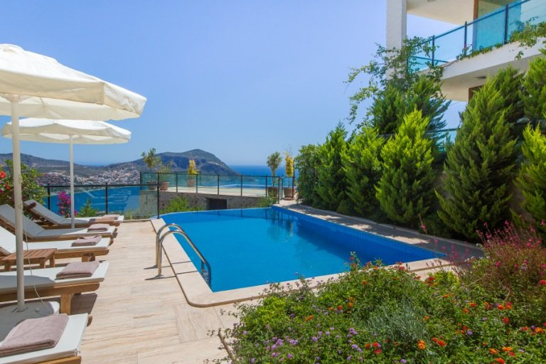 A Beautiful Four Bedroom Detached Villa with a Private Pool and Fabulous Views