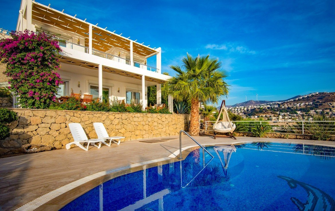 Yalikavak villa with private pool for sale