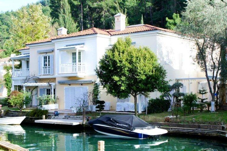 Water Front Villa In The Centre Of Gocek