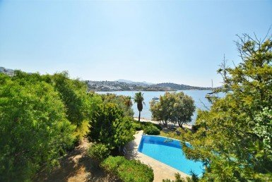 1032 15 Yalikavak Bodrum luxury beachfront villa for sale