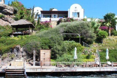 1048 18 Luxury sea front villa for sale Gundogan