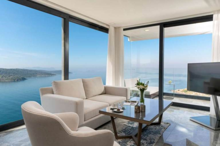 sea view living area