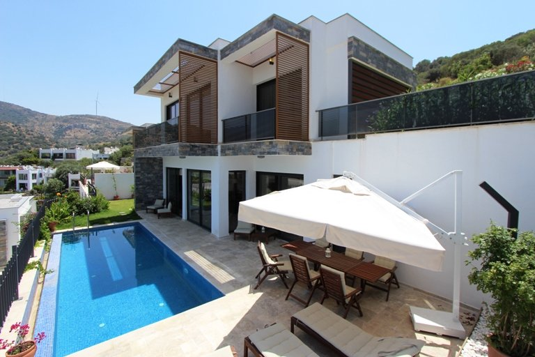 magnificent luxury detached villa