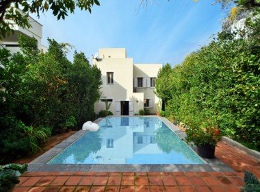 Private Villa With A Pool