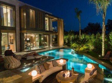 Luxury Beach Front Villas