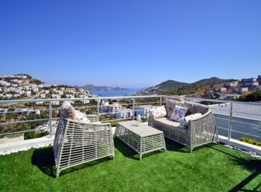 Modern Design Villa with Sea Views