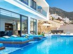 06-For-sale-house-with-private-pool-4065