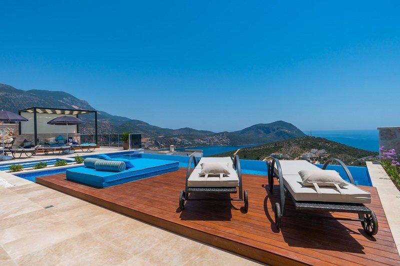 wooden sunbath deck