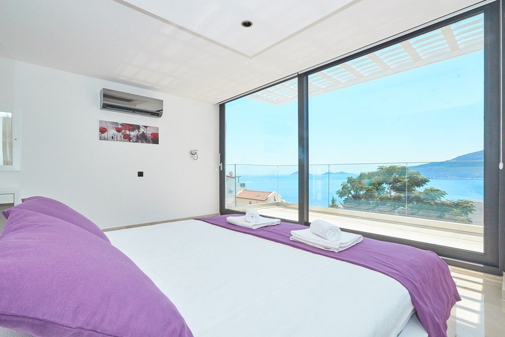 bedroom with sea view terrace